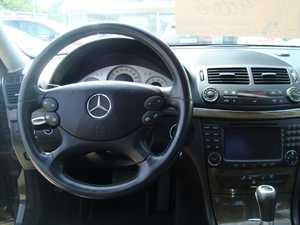 Mercedes Clase E 280 V6 3.0 AUTOM 231 CV   - Foto 2