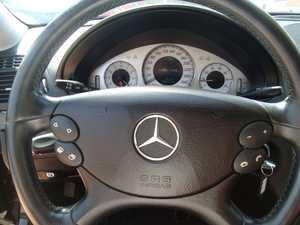Mercedes Clase E 280 V6 3.0 AUTOM 231 CV   - Foto 3