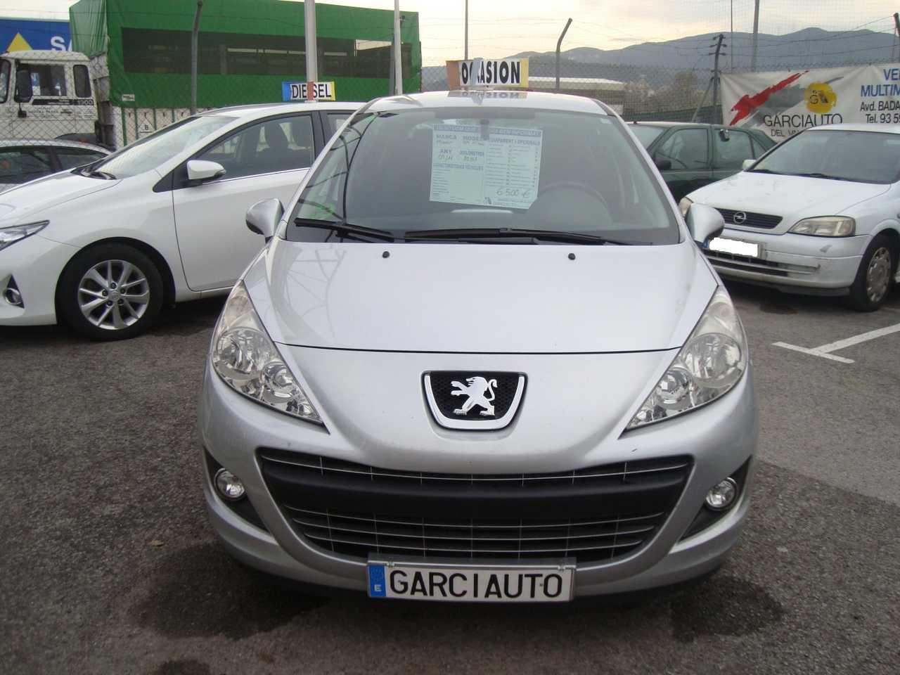Peugeot 207 1.4  VTI 95 CV   - Foto 1
