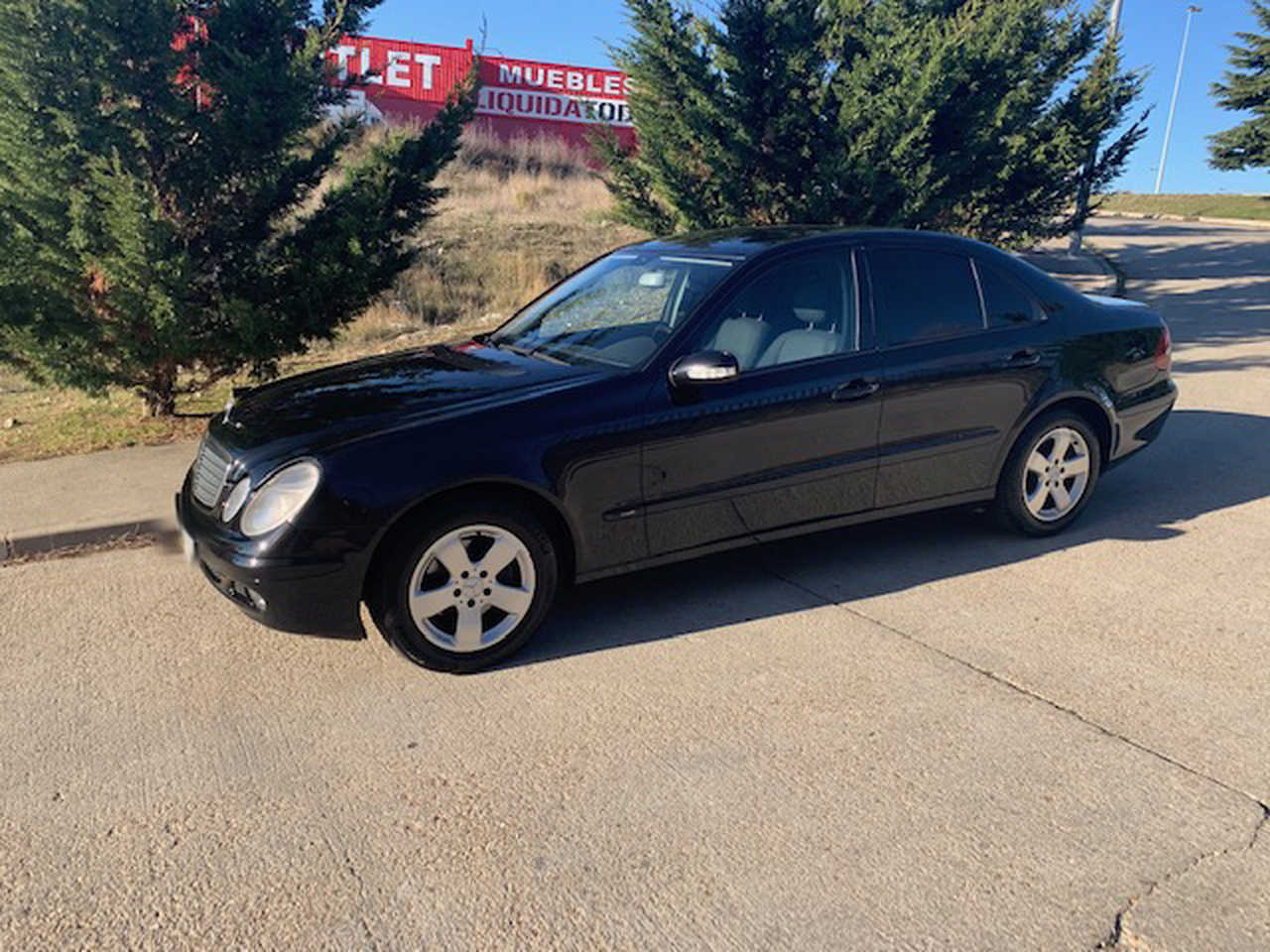 Mercedes Clase E 270 CDI   - Foto 1