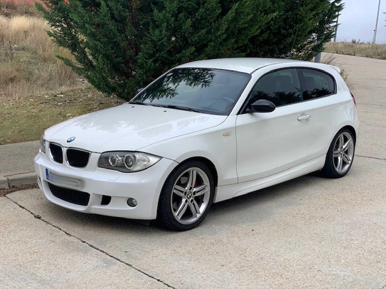 BMW Serie 1 120i   - Foto 1