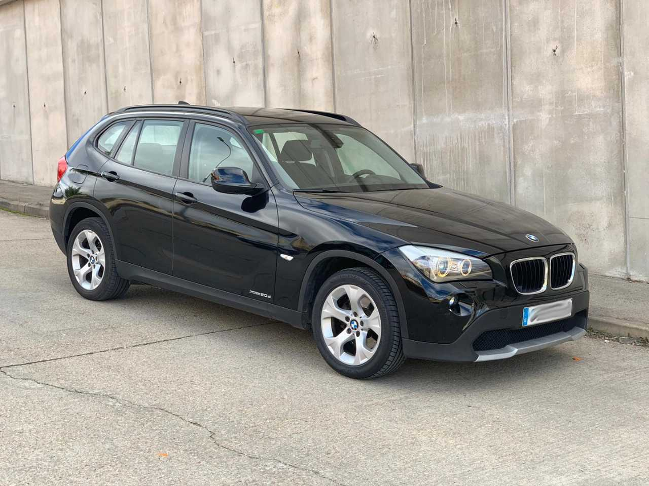 BMW X1 2.0D XDrive   - Foto 1