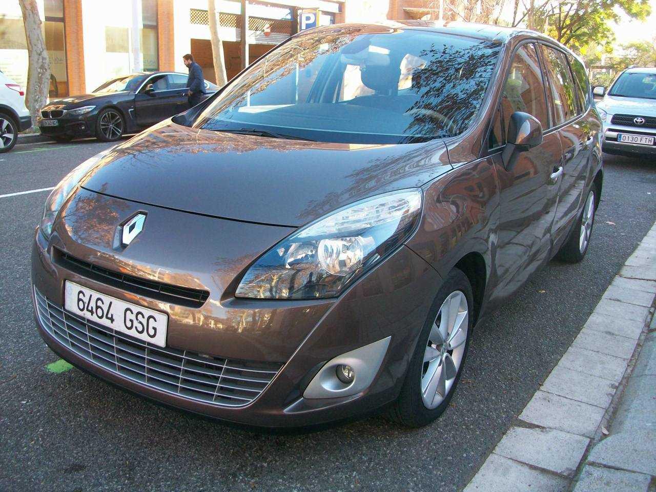 Renault Grand Scénic 2.0 PRIVILEGE CVT