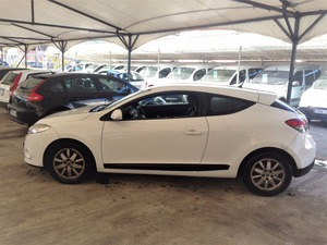 Renault Megane Coupe 1.5 DCI DYNAMIQUE 105 ECO 2   - Foto 3