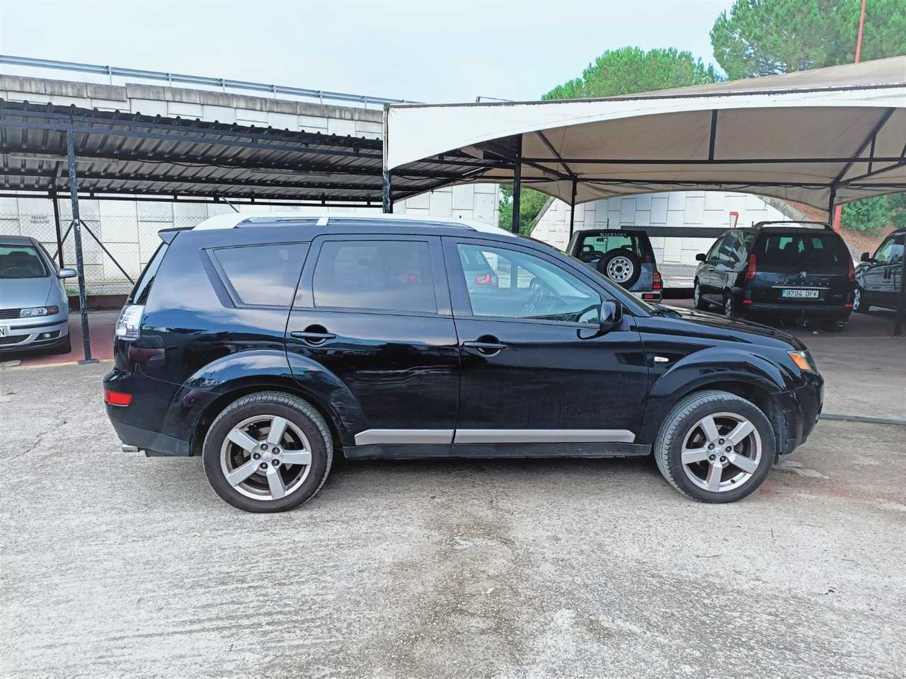 Mitsubishi Outlander 2.0 DiD INTENSIVE PLUS   - Foto 1