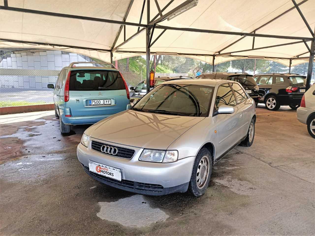 Audi A3 1.8 AMBIENTE   - Foto 1
