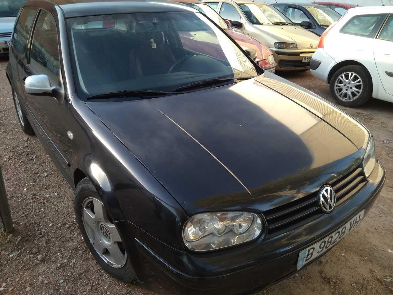 Volkswagen Golf 1.6   - Foto 1