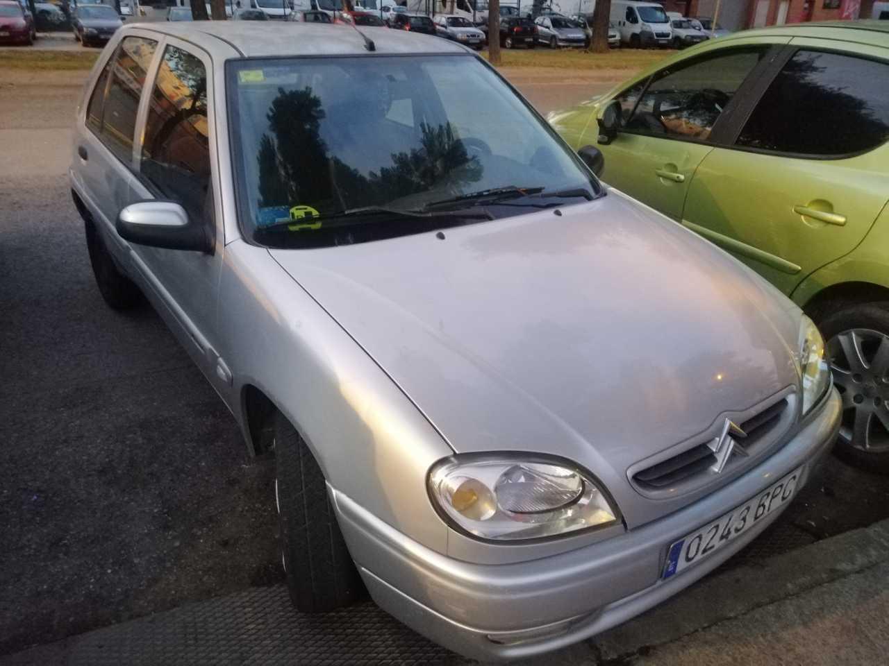 Citroën Saxo 1.4   - Foto 1