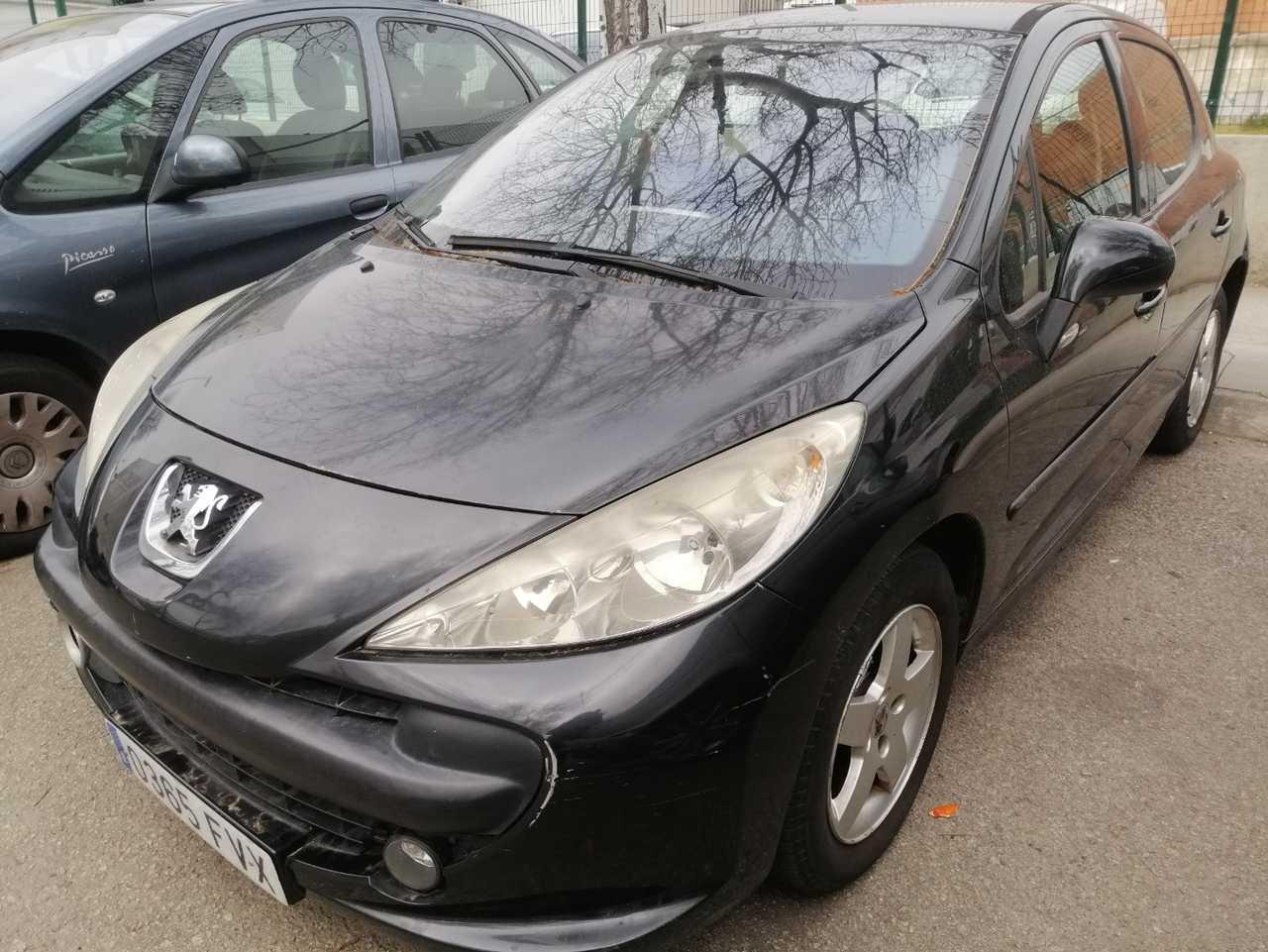 Peugeot 207 1.4 gasolina   - Foto 1