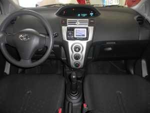 Toyota Yaris VVTI CONECT   - Foto 2