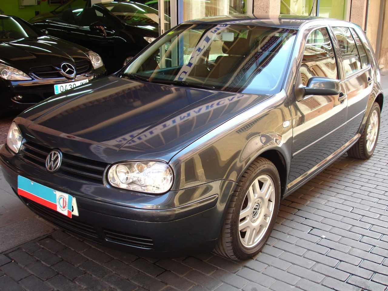 Volkswagen Golf 1.9 TDI HIGLINE 6 VEL.   - Foto 1