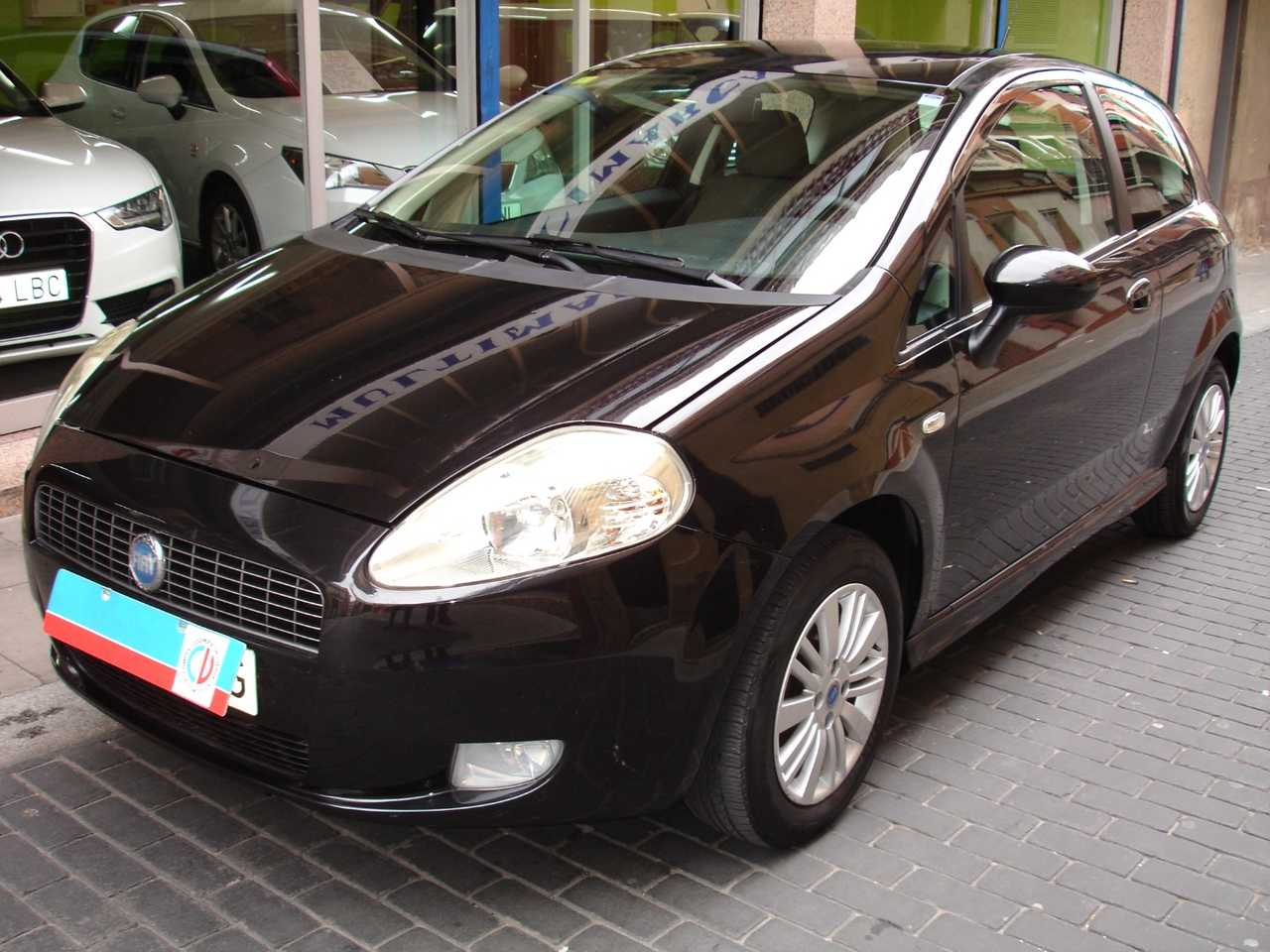 Fiat Grande punto 1.4 DYNAMIC   - Foto 1