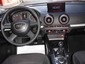 Audi A3 1.6 TDI Sportback Attraction plus   - Foto 2