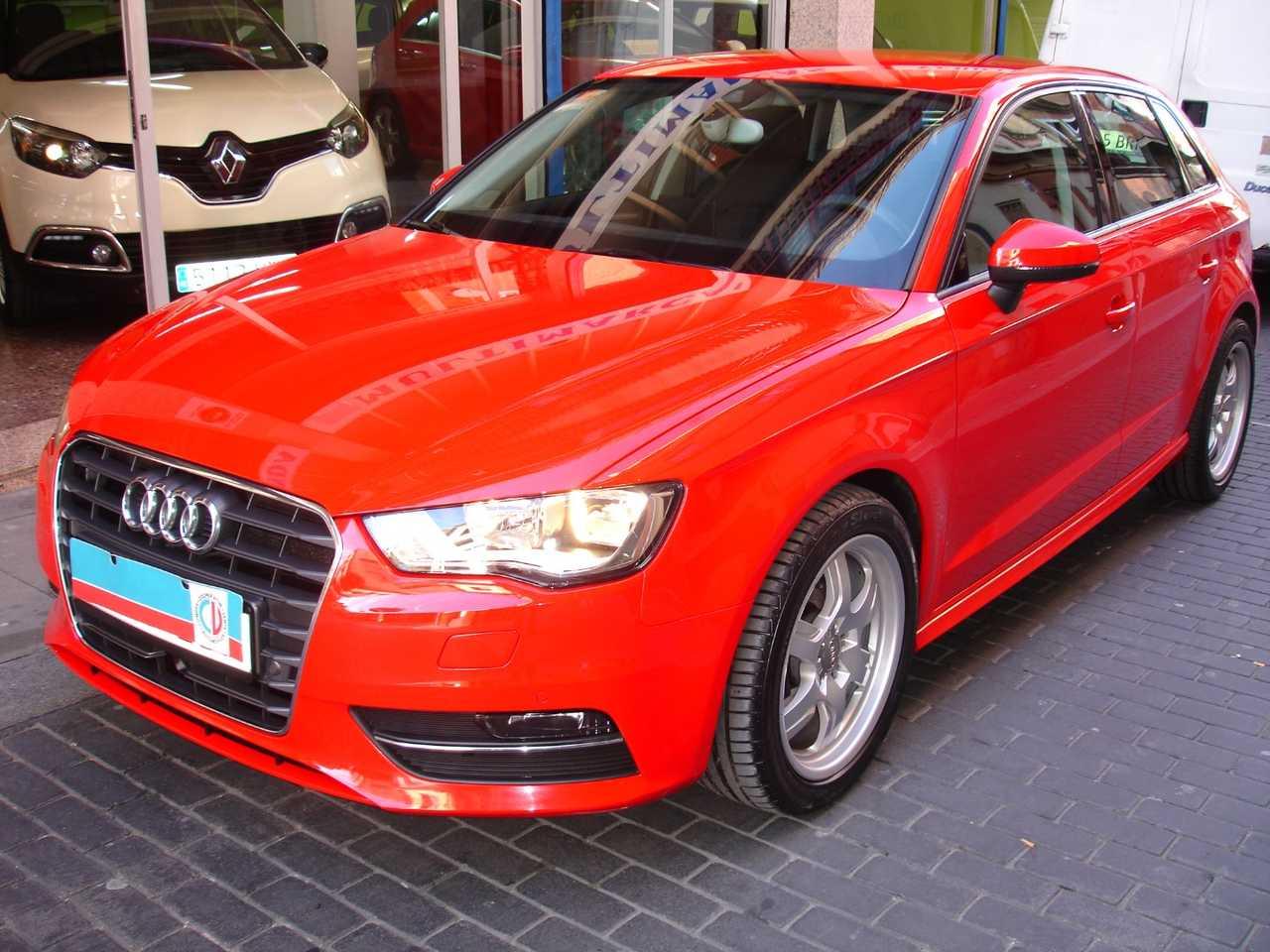 Audi A3 1.6 TDI Sportback Attraction plus   - Foto 1