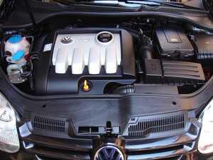 Volkswagen Golf 1.9 TDI SPORTLINE   - Foto 2