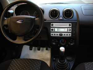 Ford Fiesta 1.4 TDCI con libro revisiones   - Foto 9