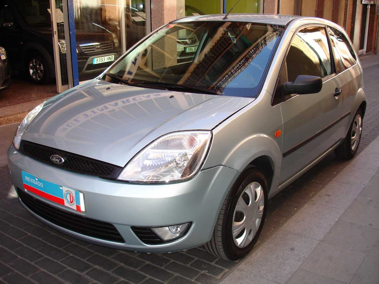 Ford Fiesta 1.4 TDCI con libro revisiones   - Foto 1