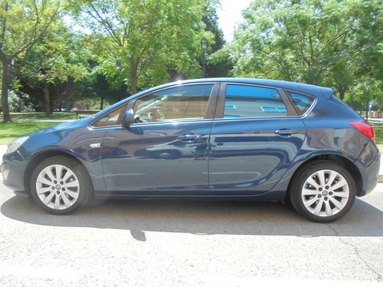 Opel Astra Sedan 1.7   110 cv.   - Foto 1