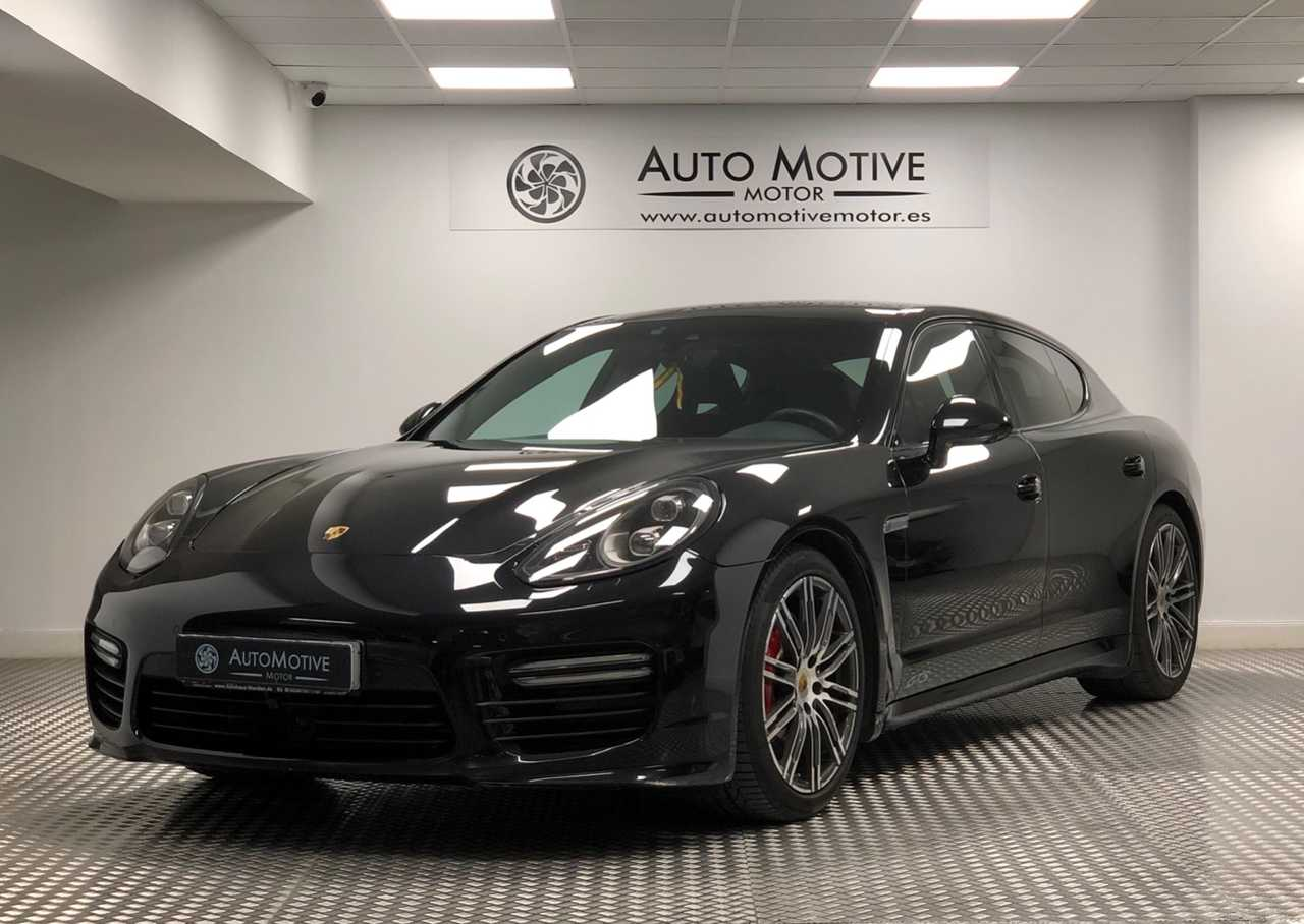 Porsche Panamera GTS   - Foto 1