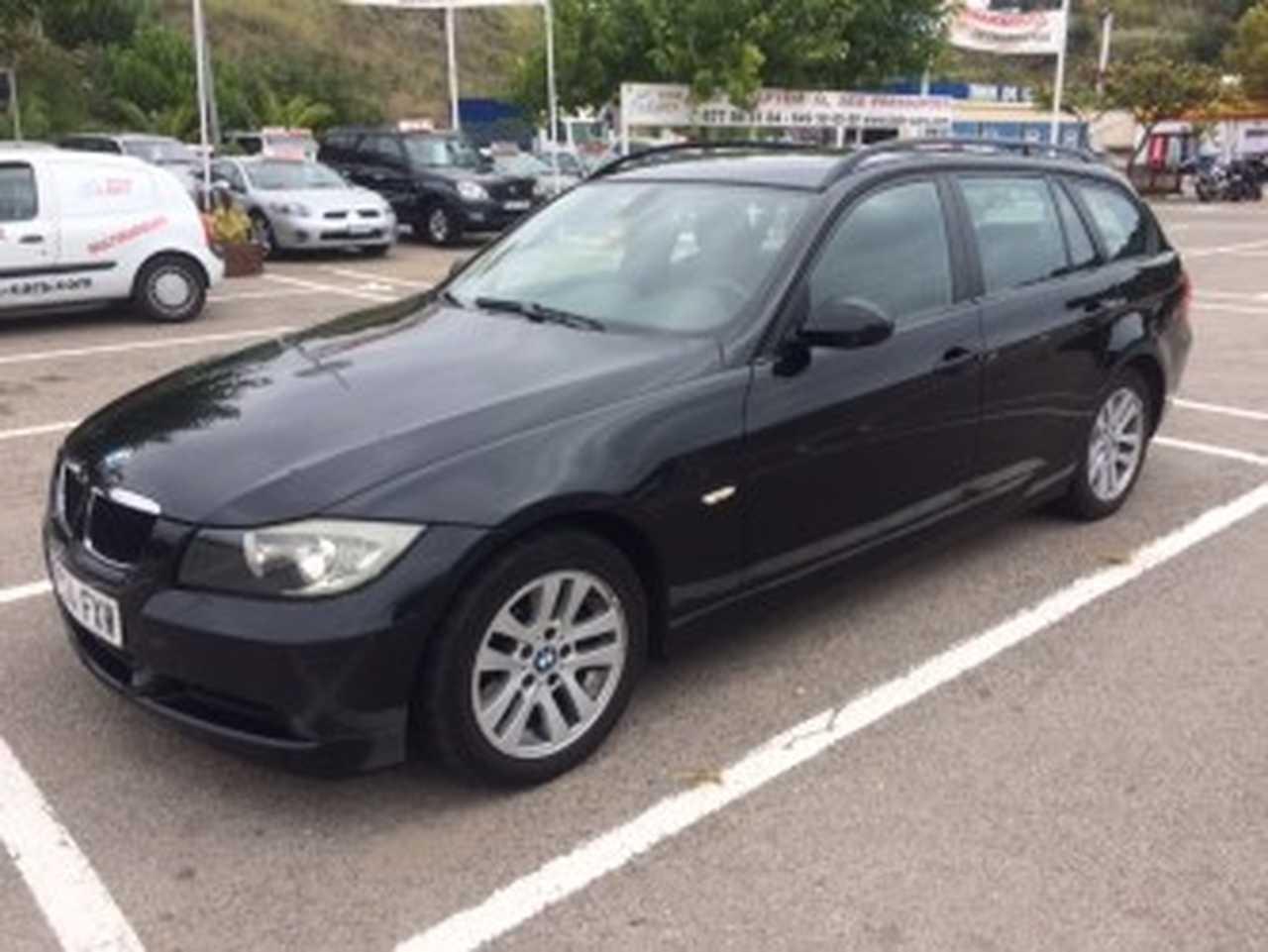 BMW Serie 3 Touring 318  2.0D  6 VELOCIDADES   - Foto 1