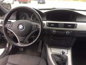 BMW Serie 3 Touring 318  2.0D  6 VELOCIDADES   - Foto 3