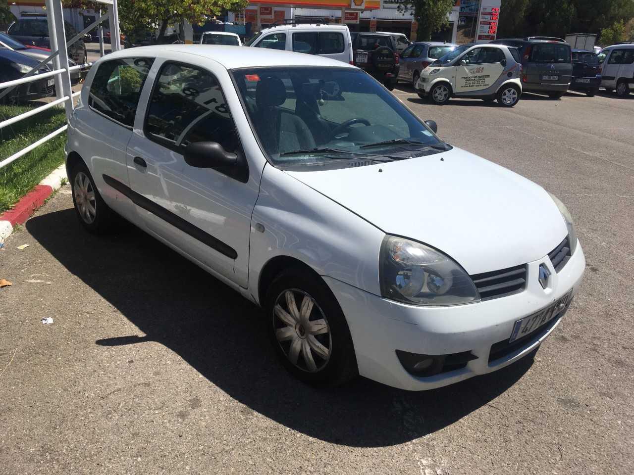 Renault Clio 1.5 DCI   - Foto 1