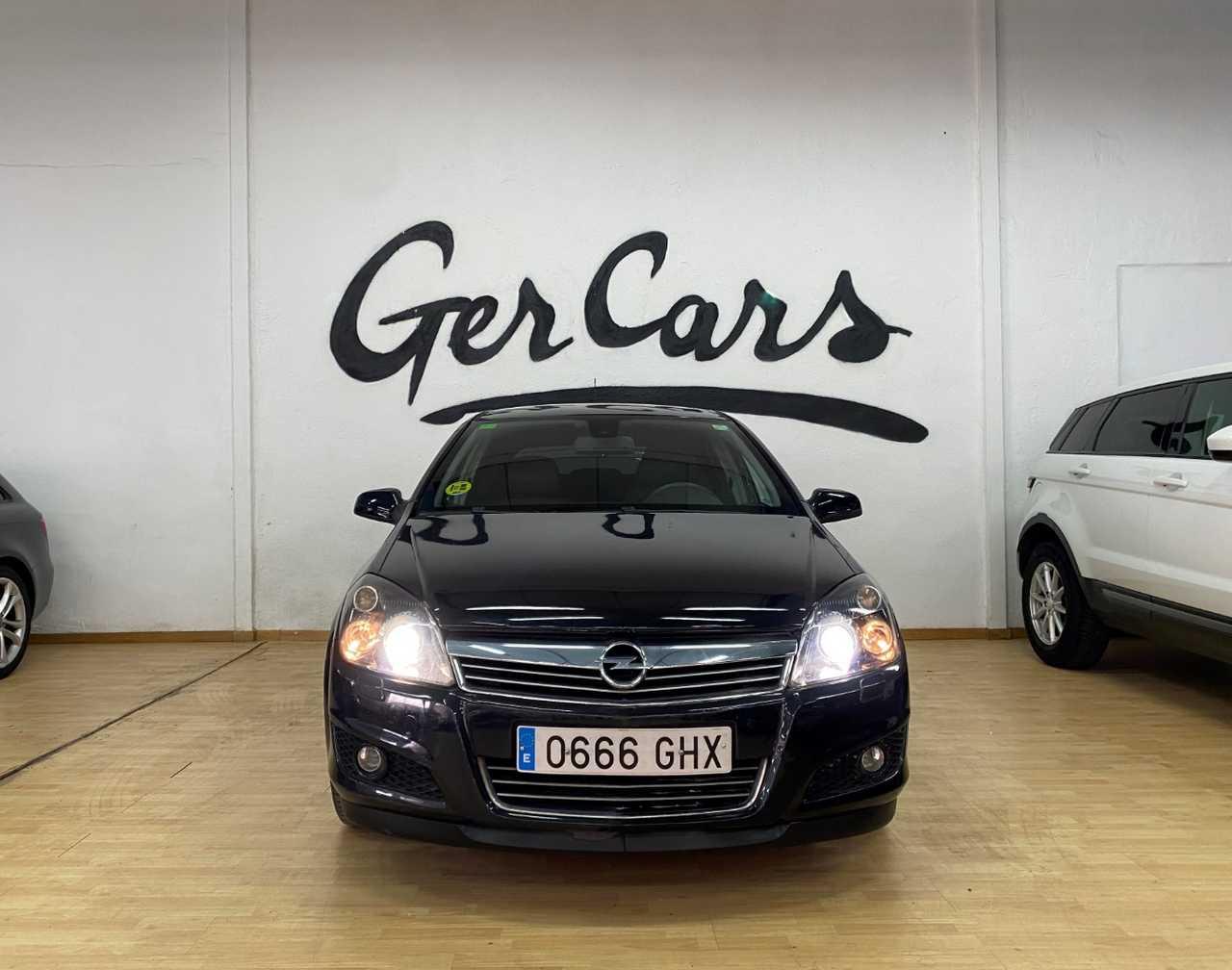 Opel Astra 1.7CDTi 110CV COSMO   - Foto 1