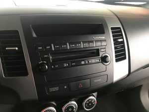 Mitsubishi Outlander 2.0 DID Intense 4X4   - Foto 11