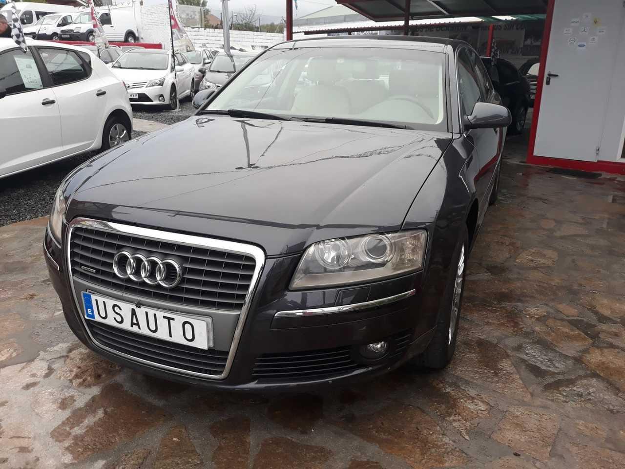 Audi A8 3.0 TDI quattro tiptronic   - Foto 1