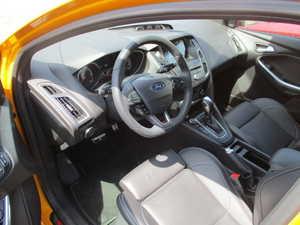 Ford Focus 2.0TDCi ST PowerShift 185Cv 5 puertas   - Foto 2