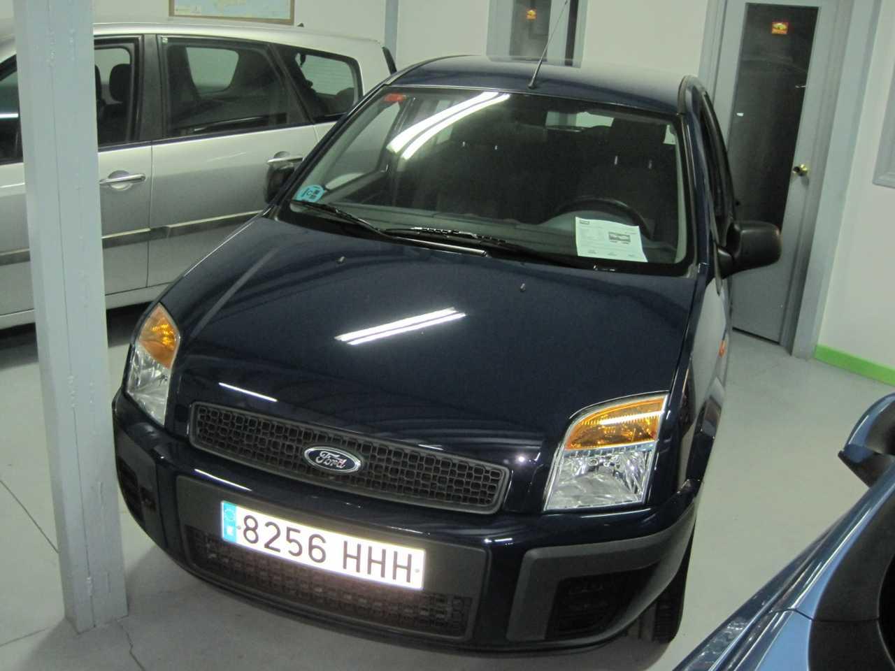 Ford Fusion 1.4 URBAN   - Foto 1