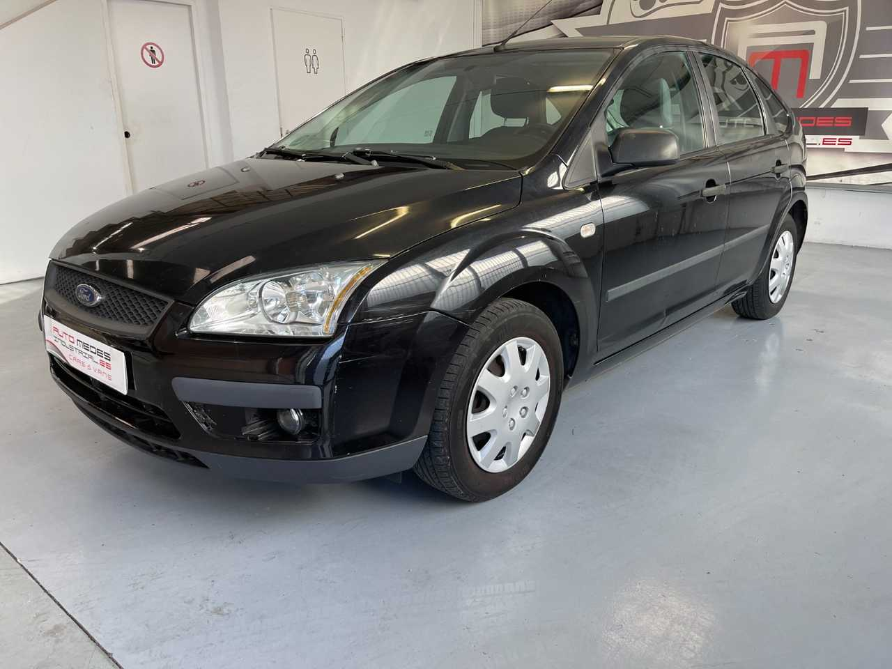 Ford Focus 1.6 TREND   - Foto 1
