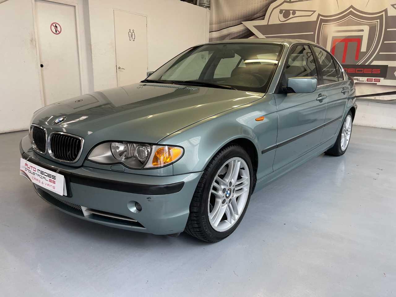 BMW Serie 3 330i    - Foto 1