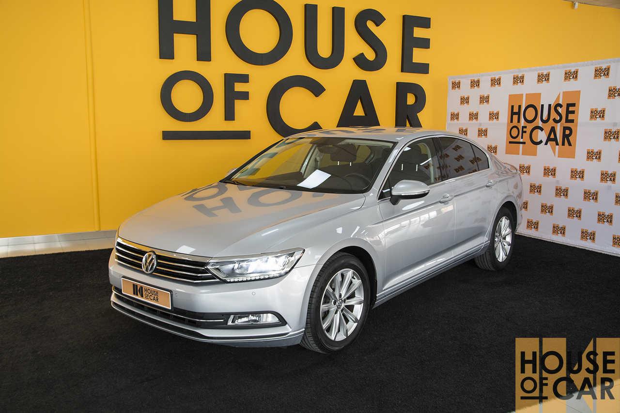 Volkswagen Passat 2.0   - Foto 1