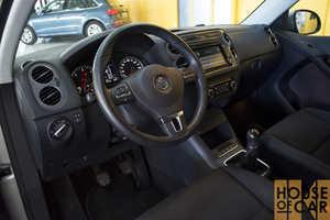 Volkswagen Tiguan 2.0   - Foto 3