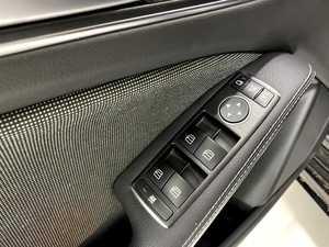 """Mercedes Clase A 180 7G-DCT/AMG Style/Car Play/Camara Trasera/Llanta 18""""   - Foto 2"""