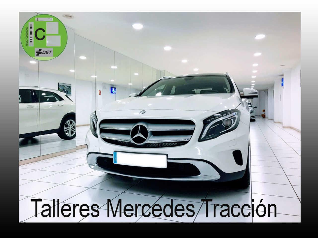 """Mercedes GLA 200 CDI/Urban/Techo Panorámico/Llanta 18""""   - Foto 1"""