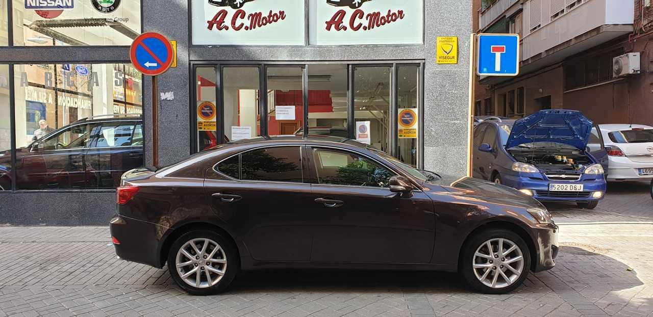 Lexus IS 200d Premium 4p   - Foto 1