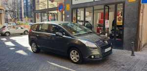 Peugeot 5008 Premium 1.6 HDI 7 plazas,112cv   - Foto 2