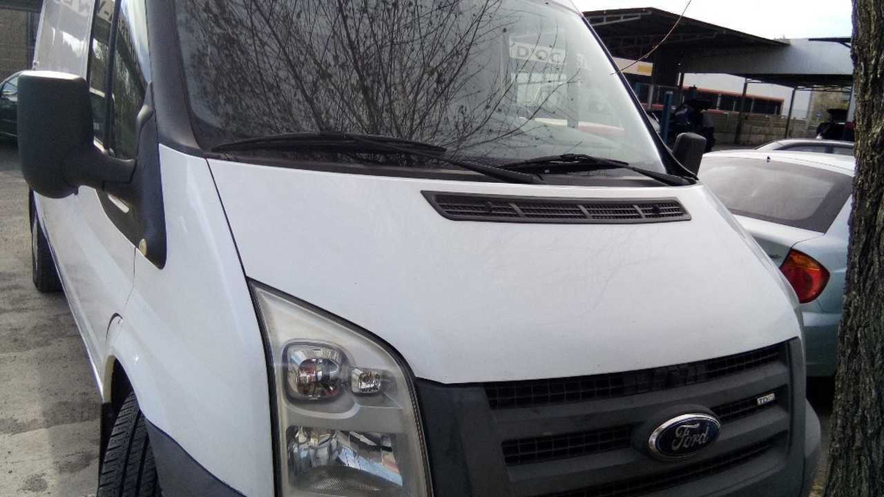 Ford Transit  Furgon 350 L 2.4 116CV   - Foto 1