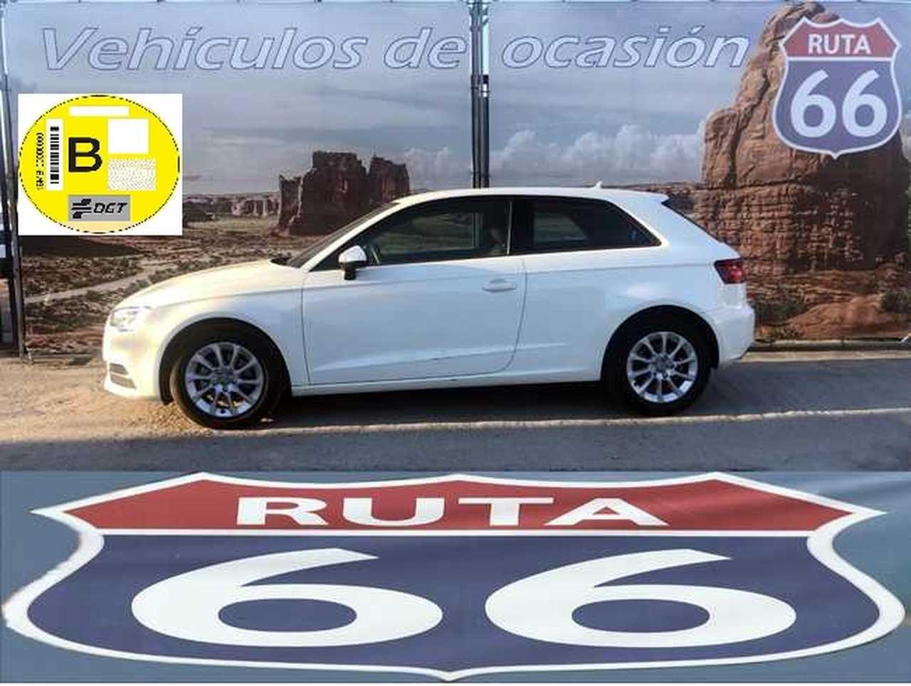Audi A3 1.6 Tdi 105Cv Ambiente   - Foto 1