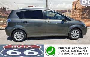 Toyota Corolla Verso 2.2 d-4d 136cv 7 plazas   - Foto 2