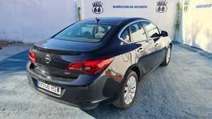 Opel Astra Sedán 1.7 CDTi 110 CV Excellence 4p.   - Foto 3