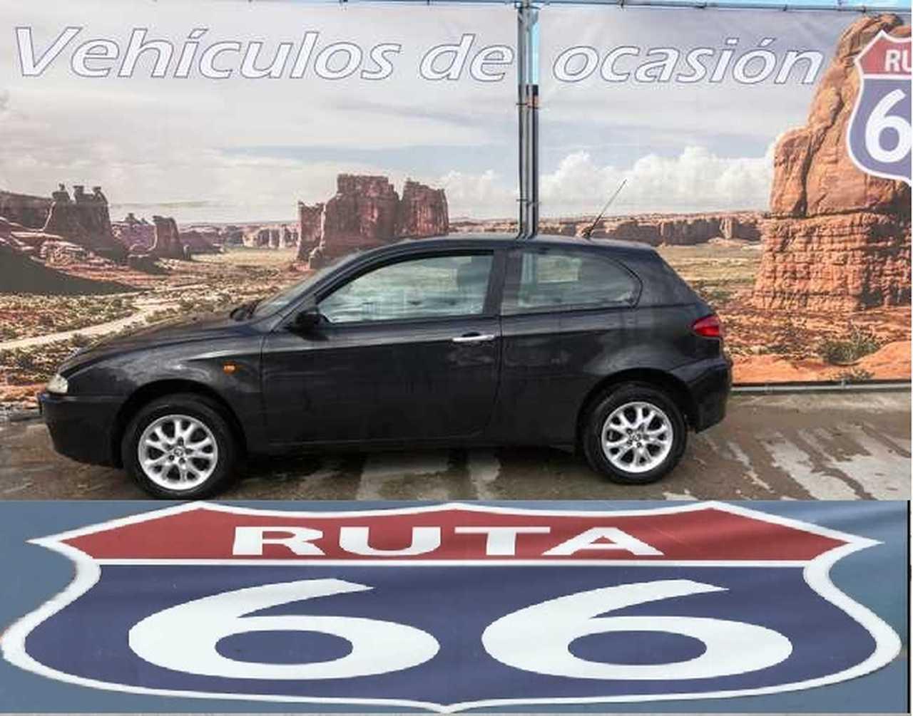 Alfa Romeo 147 1.9 JTD Distinctive 140CV   - Foto 1