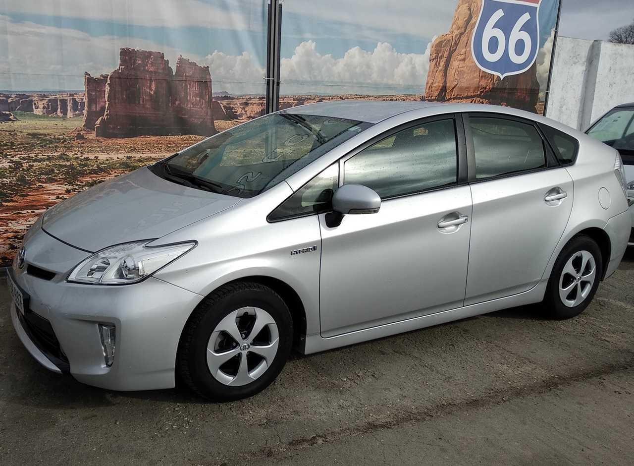 Toyota Prius Advance 5P   - Foto 1