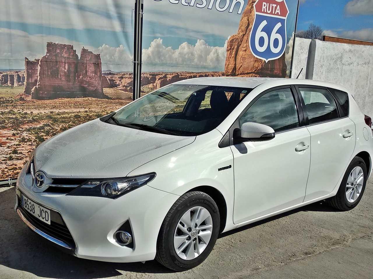 Toyota Auris Hybrid Active   - Foto 1
