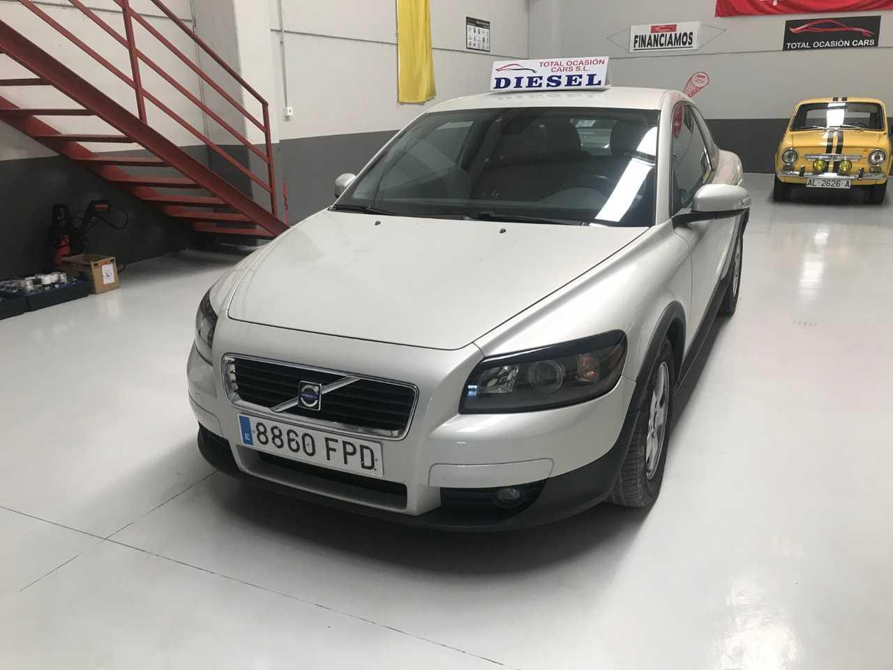 Volvo C30 VOLVO C30 1.6D Kinetic   - Foto 1