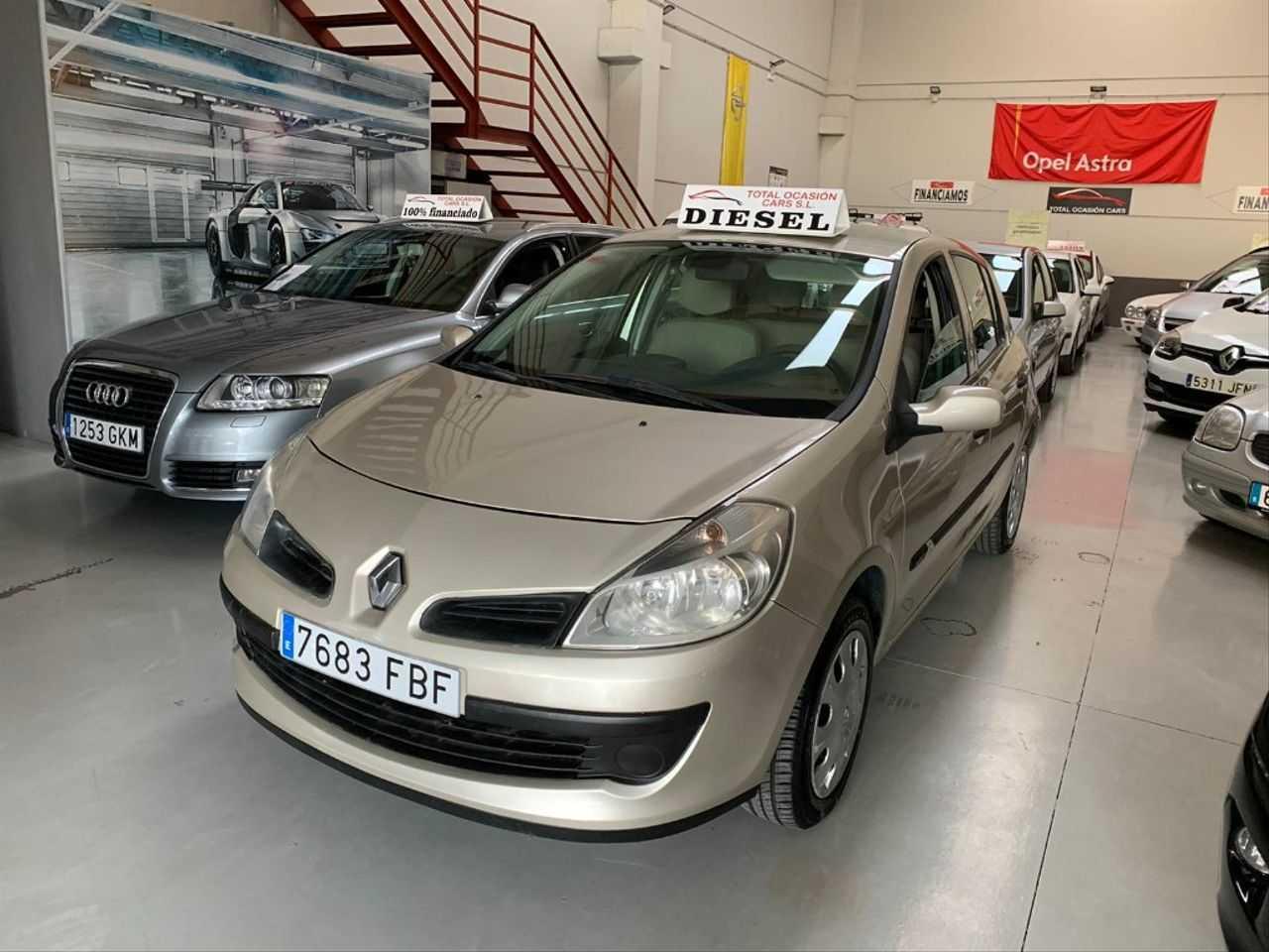 Renault Clio RENAULT CLIO 1.5 DCI   - Foto 1
