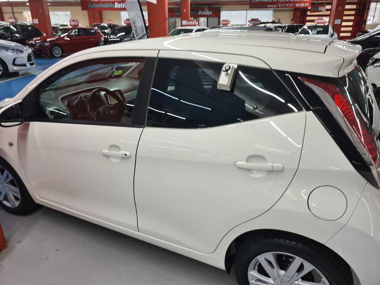 Toyota Aygo FULL EQUIP   - Foto 1
