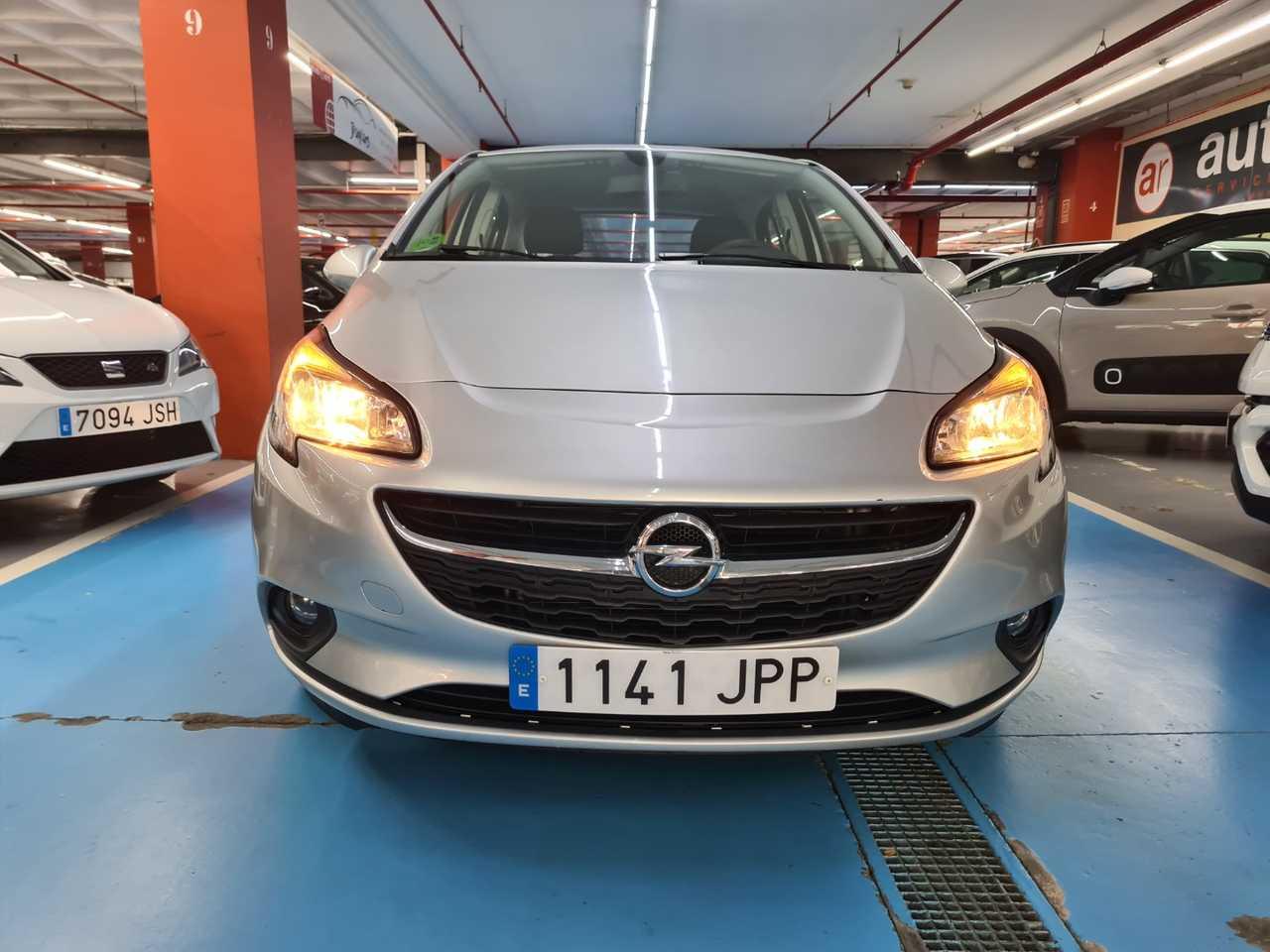 Opel Corsa 5 PUERTAS gasolina 1.4 90CV   - Foto 1